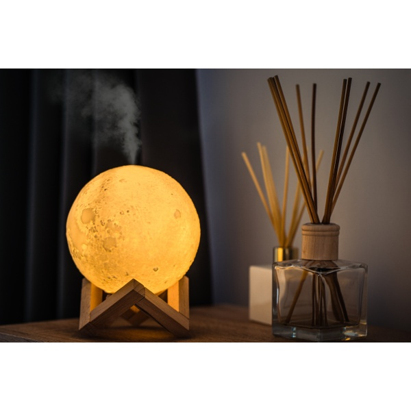 Umidificator Aromaterapie 3D Moon Lamp